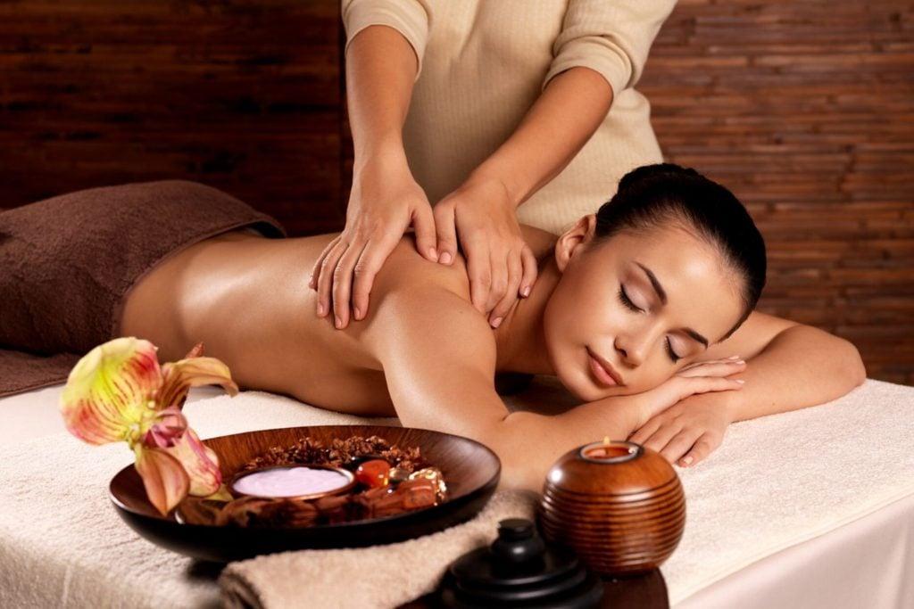 นวดแผนไทย (Thai Massage)