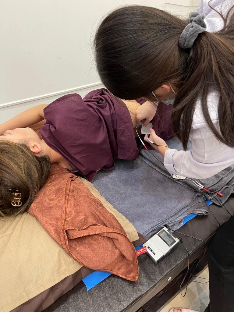 JR Physio Clinic (Yaowarat) - [Review] Physiotherapy พาทำกายภาพบำบัด กำจัดความเมื่อย
