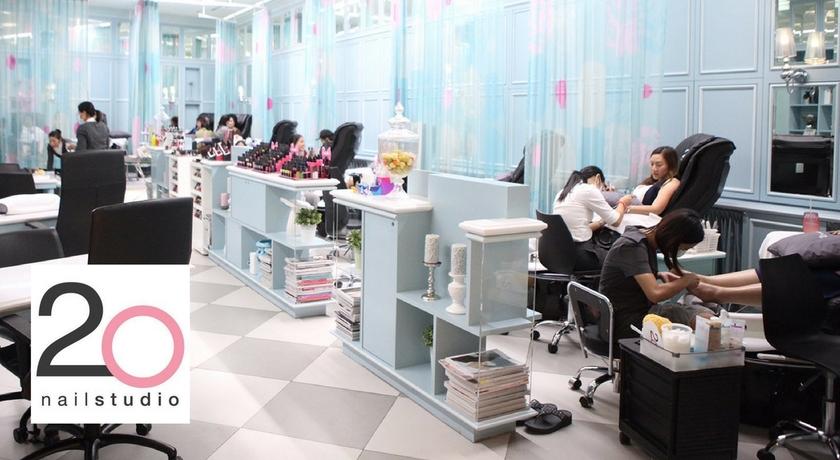 20 nail studio