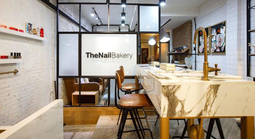 The nail bakery %283%29