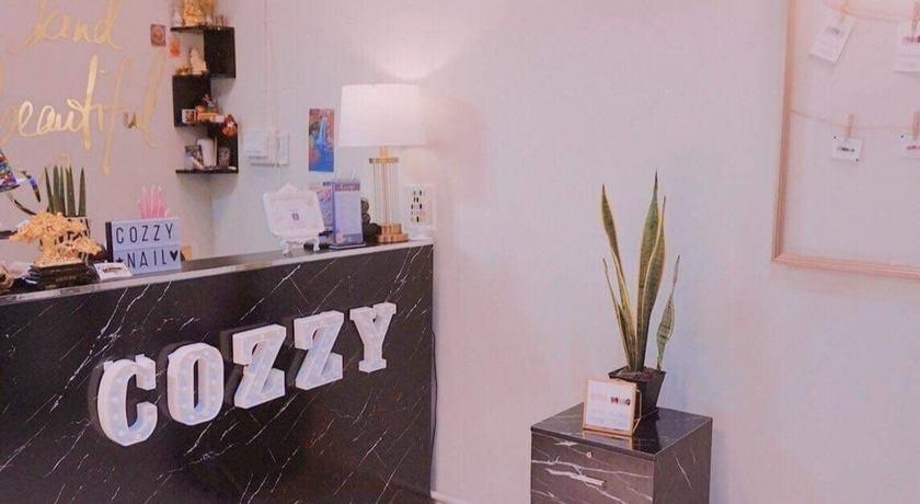 Cozzy nail spa  %282%29
