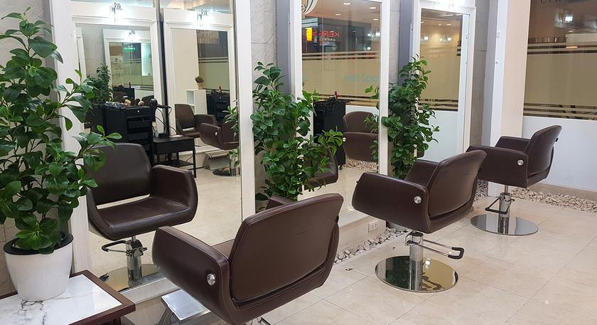 Salon 1 1366x743