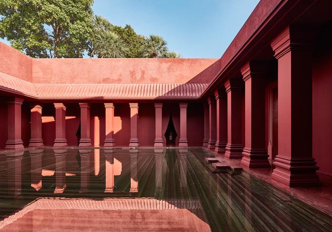 Hrhh barai courtyard detail 3 lowres